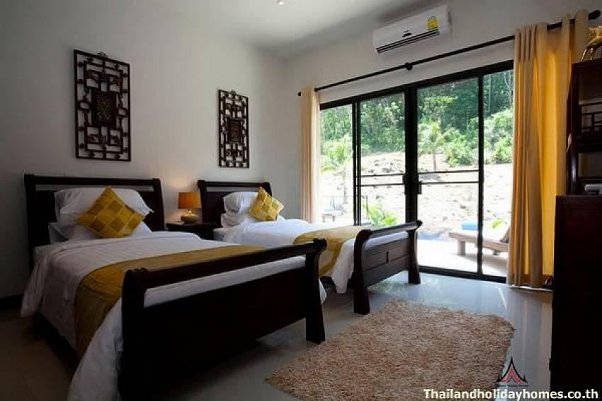 Guest Bedroom-Phailin Talay_4 Bedroom_Family Pool Villa_Nai Harn_Rawai_Phuket_Thailand