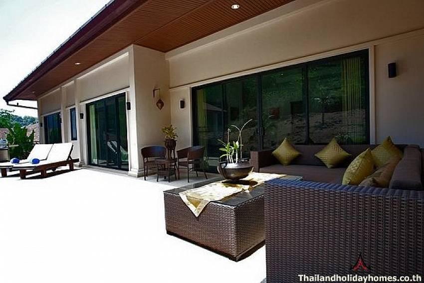 Comfortable outdoor seating-Phailin Talay_4 Bedroom_Family Pool Villa_Nai Harn_Rawai_Phuket_Thailand