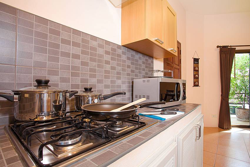 Fully equipped kitchen in Wan Hyud Apartment No.12 Koh Samui