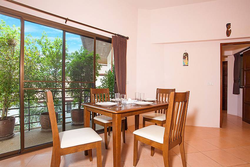 Dining table with view in Wan Hyud Apartment No.12 Chaweng Noi Samui