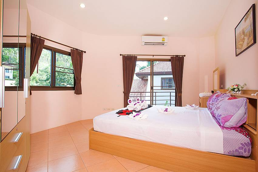 1. bedroom with king size bed Wan Hyud Apartment No.12 Chaweng Samui