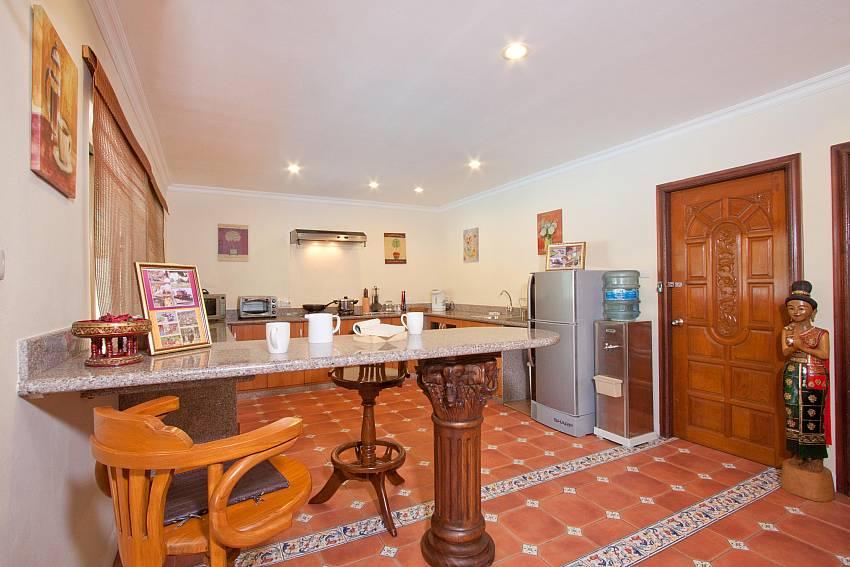 Breakfast Bar-Nai Mueang Klang_4 Bedroom_Pool Villa_Pattaya_Thailand