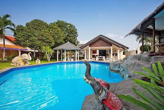 Rent Pattaya Villa: Baan Laksee, 4 Bedrooms. 12011 baht per night