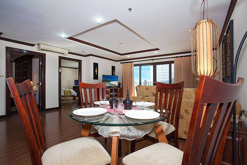 Open plan living and dining area at Nirvana Apartment No.603 Jomtien Pattaya
