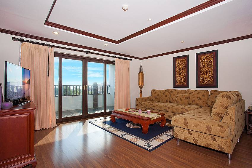 Living room with balcony at Nirvana Apartment No.603 in Jomtien South Pattaya