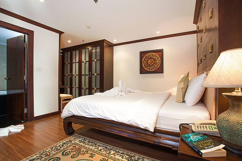 Master bedroom at 4 seat dining table at Nirvana Apartment No.603 in Jomtien South Pattaya