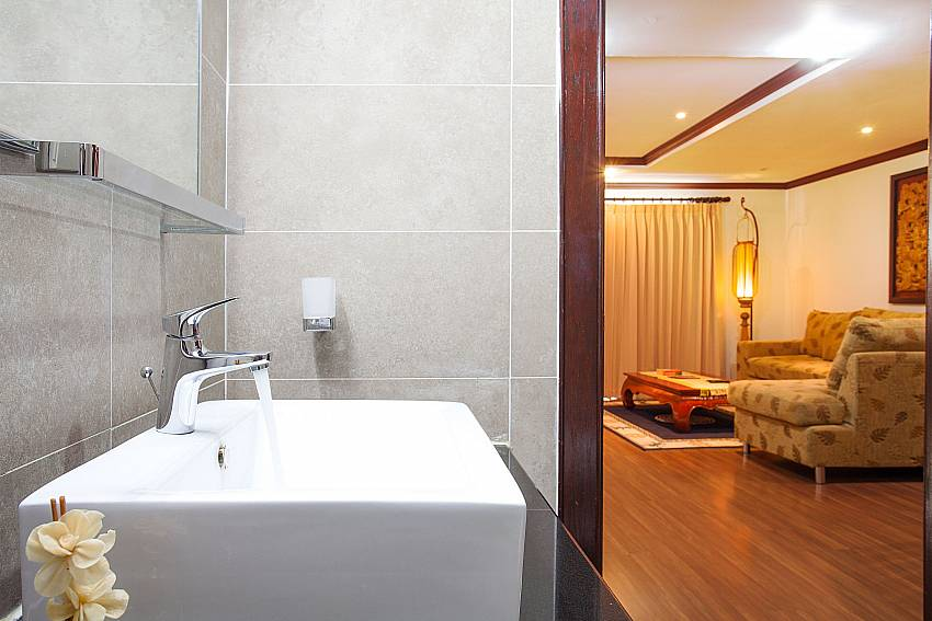 Guest bathroom at Nirvana Apartment No.603 in Jomtien South Pattaya