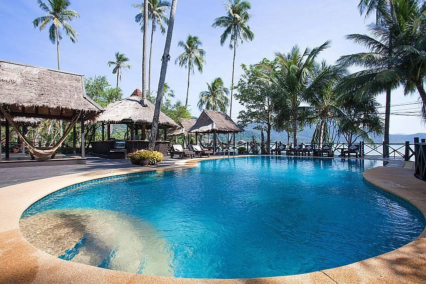 Swimming pool Natures Oasis Resort No.9 in Bang Bao Koh Chang