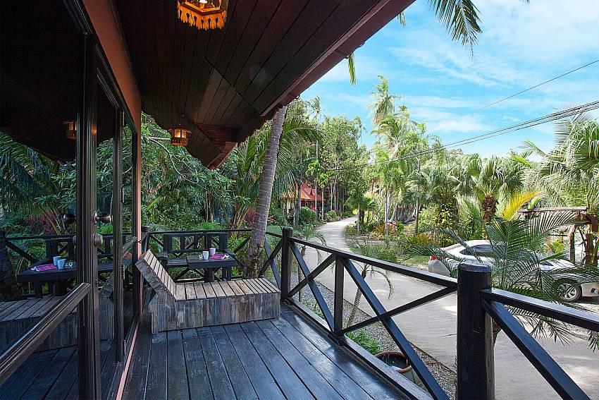 Balcony Natures Oasis Resort No.9 in Bang Bao Koh Chang