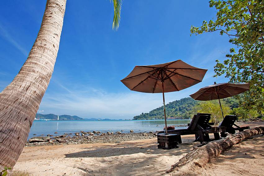 Beach Natures Oasis Resort No.9 in Bang Bao Koh Chang