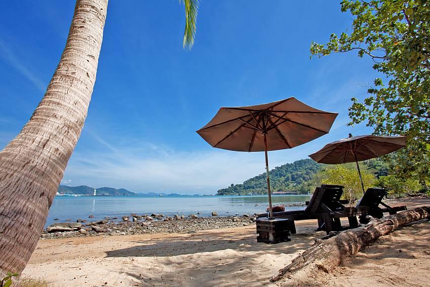 Beach Natures Oasis Resort No.9 in Bang Bao Koh Chang