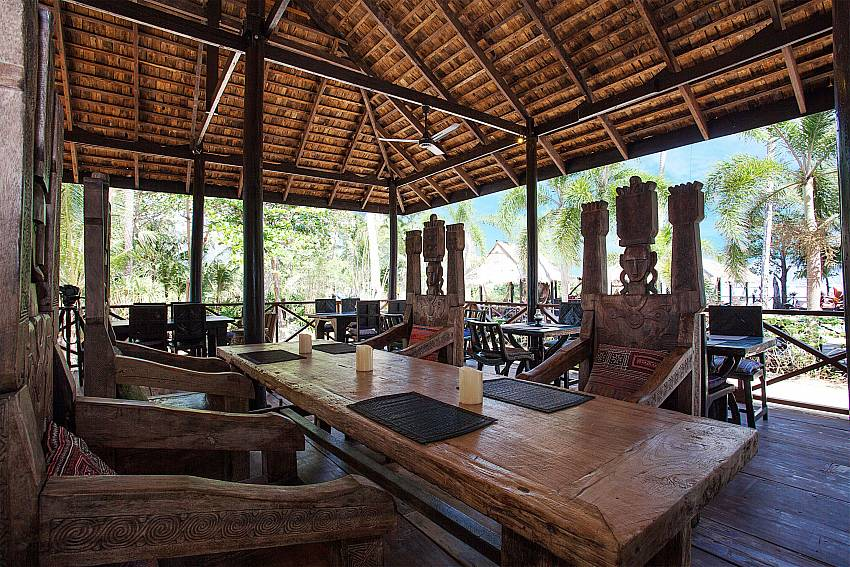 Dinning area Natures Oasis Resort No.9 in Bang Bao Koh Chang