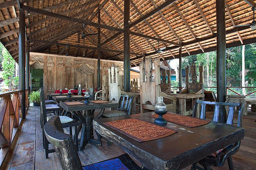 Dinning area Natures Oasis Resort No.9 in Bang Bao Koh Chang