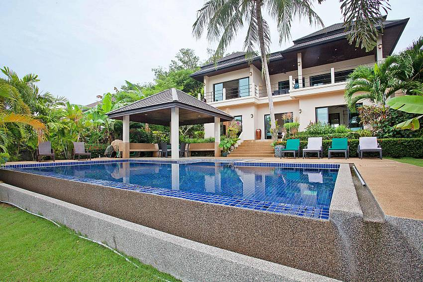 Pool and Villa-Morakot Villa_6 Bedroom_Private Pool Villa_Nai Harn_Phuket_Thailand