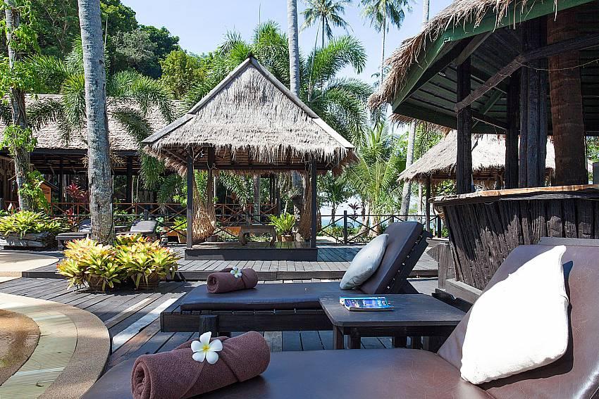 Sun bed Natures Oasis Resort No.7A in Bang Bao Koh Chang