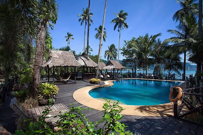 Swimming pool Natures Oasis Resort No.7A in Bang Bao Koh Chang