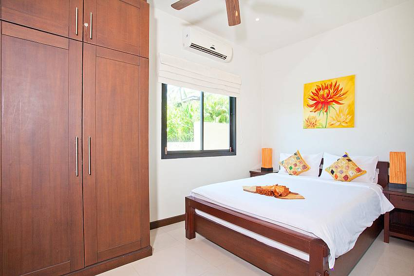 bedroom-4-ploi-jantra-villa-5-bedroom-large-pool-nai-harn-phuket-thailand