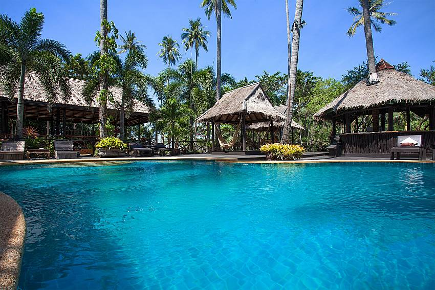 Swimming pool Natures Oasis Resort No.7B in Bang Bao Koh Chang