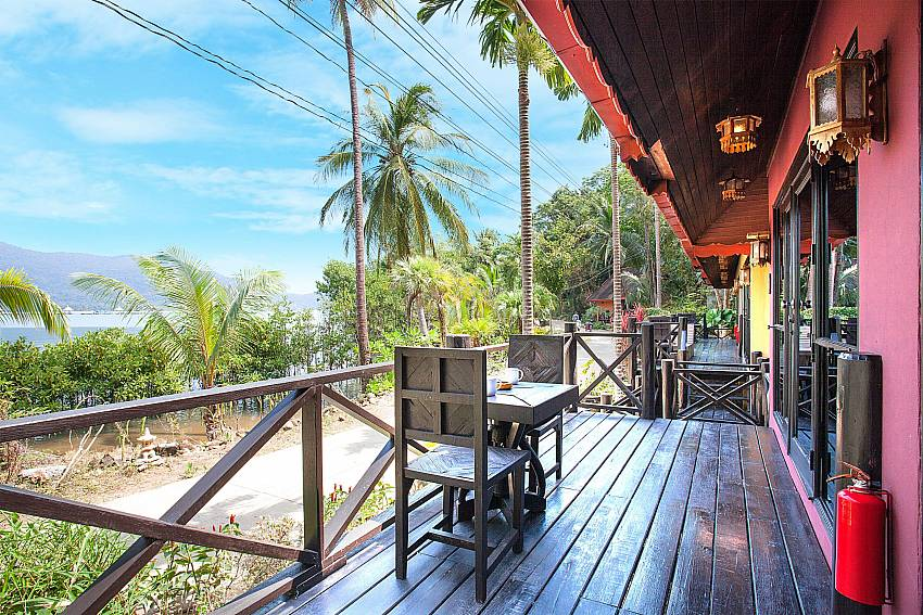 Seat area Natures Oasis Resort No.7B in Bang Bao Koh Chang