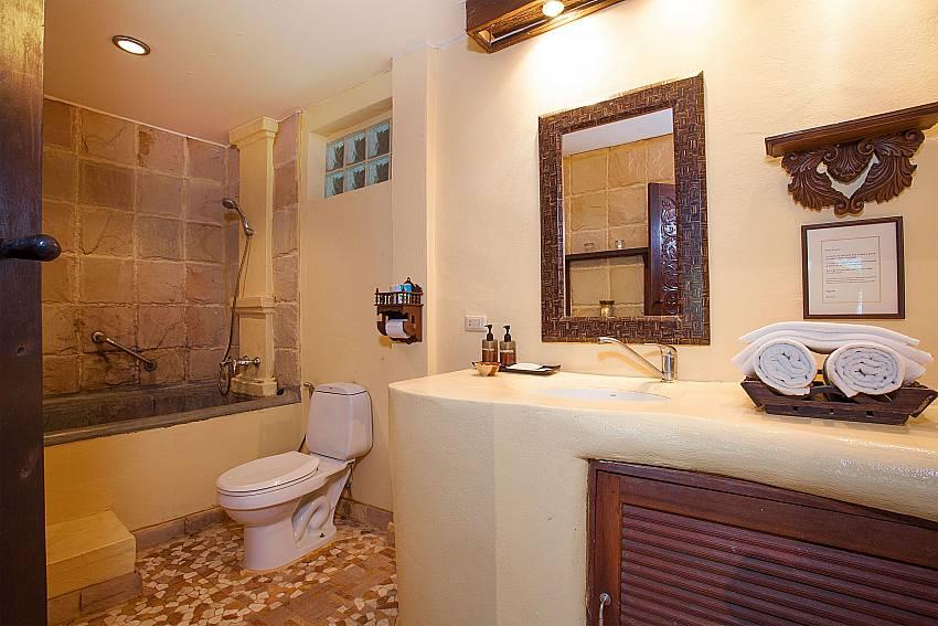 Bathroom Natures Oasis Resort No.8A at Bang Bao Koh Chang