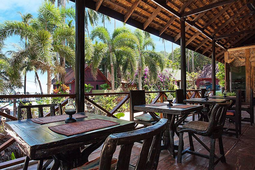 Dinning area Natures Oasis Resort No.8A at Bang Bao Koh Chang
