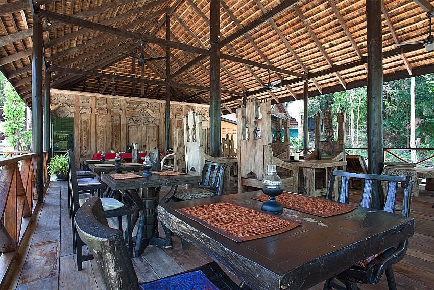 Dinning area Natures Oasis Resort No.8A at Bang Bao Koh Chang