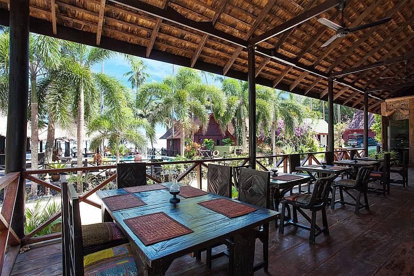 Dinning area Natures Oasis Resort No.8B at Bang Bao Koh Chang
