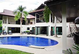 Narumon | 5 Bed Serviced Pool Villa Near Nai Harn Beach in South Phuket
