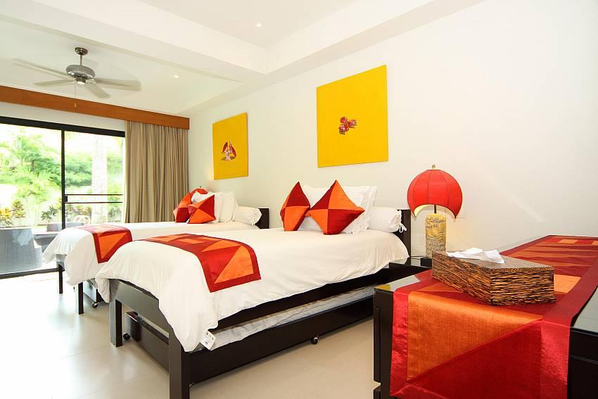 Twin Bedroom-narumon-villa_5-bedroom_serviced-pool-villa_nai-harn_phuket_thailand