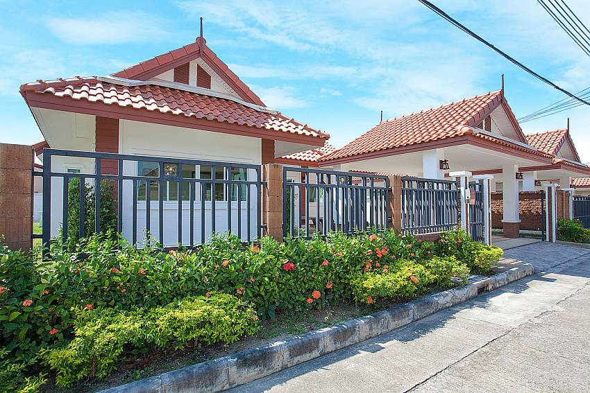 Front of property Timberland Lanna Villa 304 in Bangsaray Pattaya