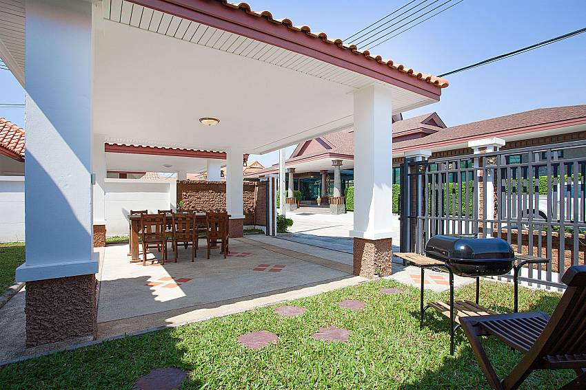 BBQ area Timberland Lanna Villa 304 in Bangsaray Pattaya