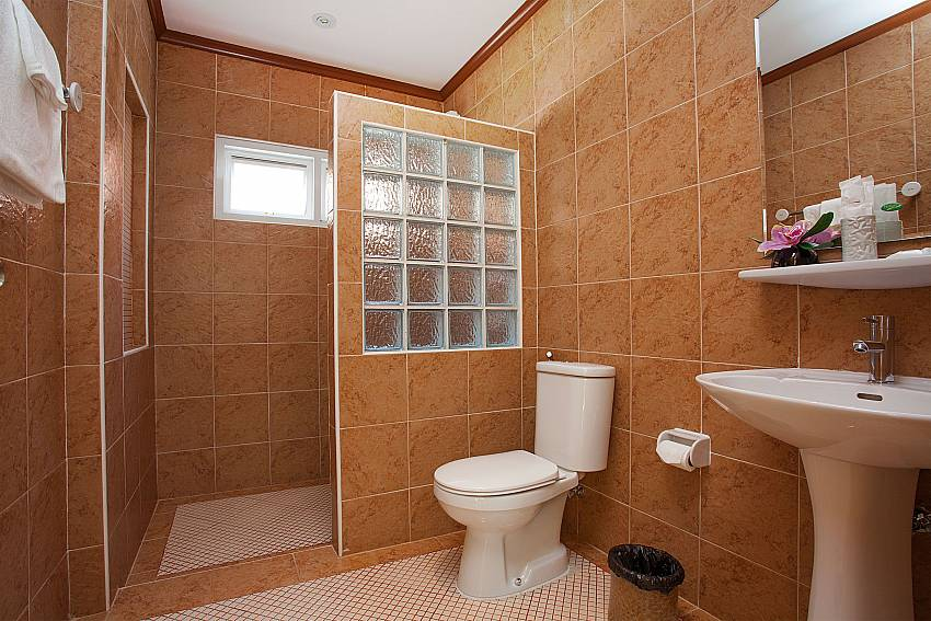 Toilet Timberland Lanna Villa 305 in Bangsaray Pattaya