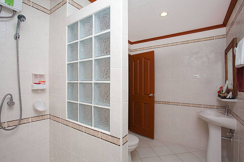 Shower Timberland Lanna Villa 401 in Pattaya