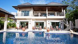 Villa Waew Opal - 6 Bed - Grand Property with In-House Staff