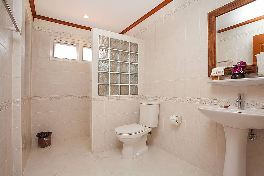 Toilet Timberland Lanna Villa 402 in Bangsaray Pattaya