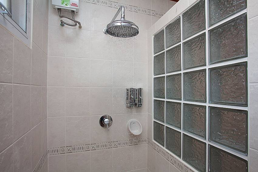 Shower Timberland Lanna Villa 402 in Bangsaray Pattaya