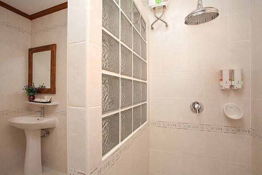 Shower Timberland Lanna Villa 404 in Pattaya