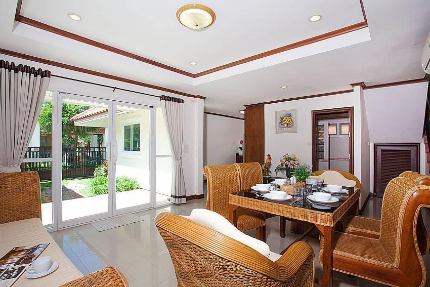 Dinning area Timberland Lanna Villa 404 in Pattaya