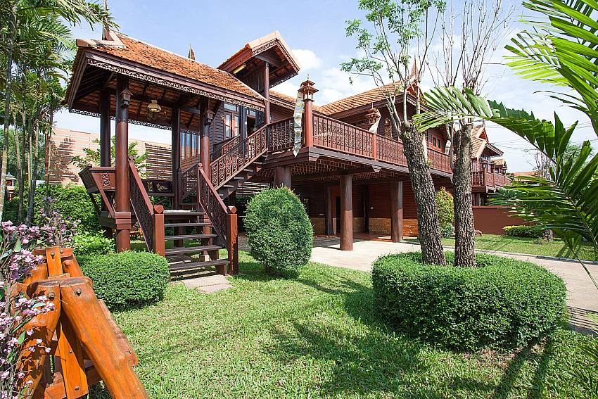 Garden with property Timberland Lanna Villa 201 in Bangsaray Pattaya