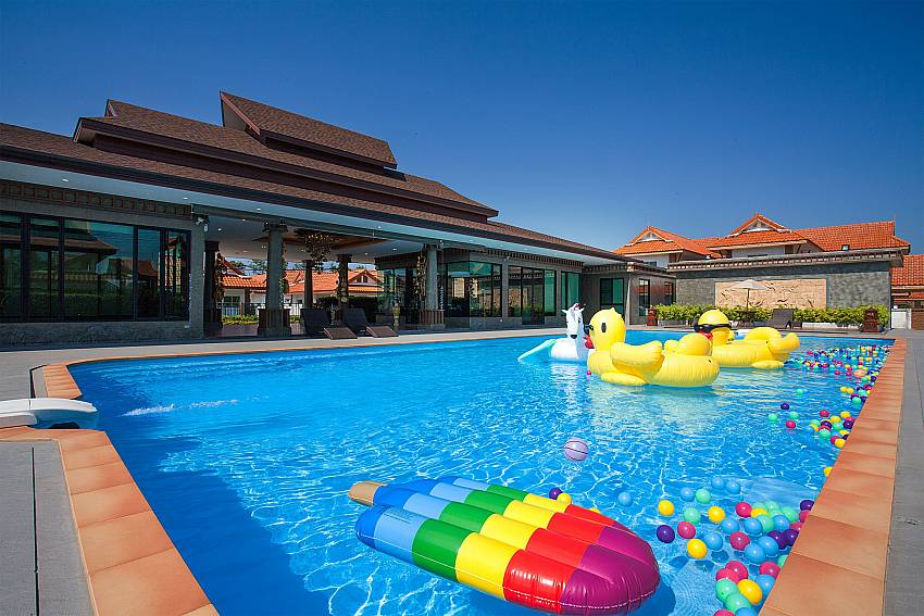 Swimming pool Timberland Lanna Villa 201 in Bangsaray Pattaya