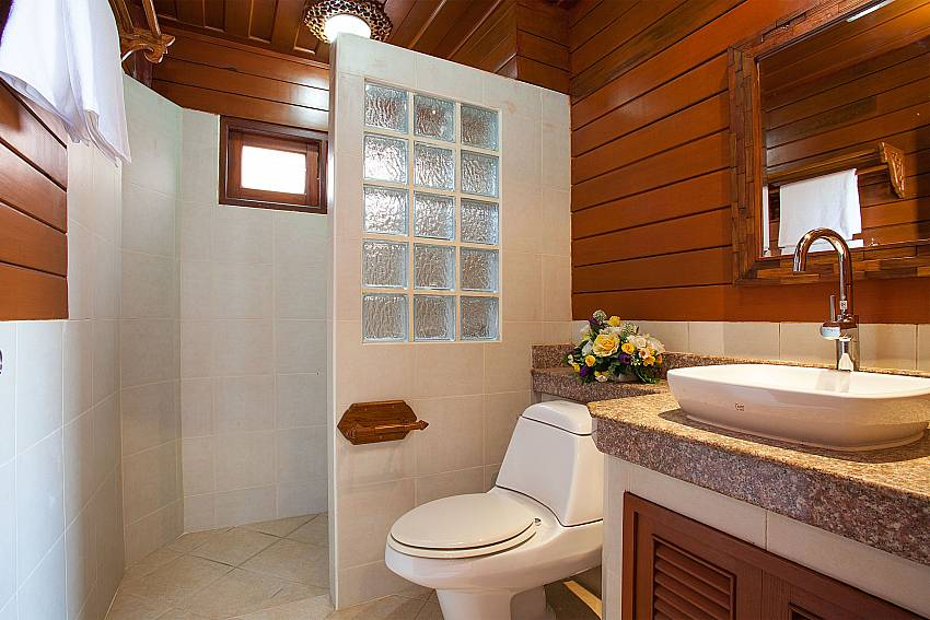 Toilet Timberland Lanna Villa 201 in Bangsaray Pattaya