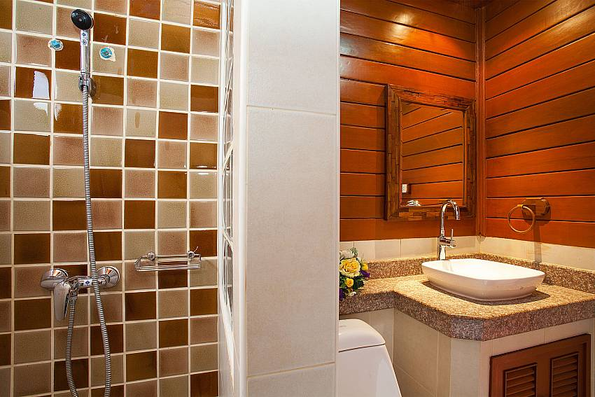 Shower Timberland Lanna Villa 201 in Bangsaray Pattaya