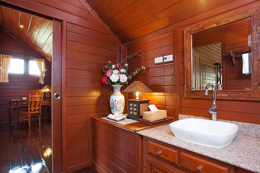 Toilet Timberland Lanna Villa 202 in Pattaya
