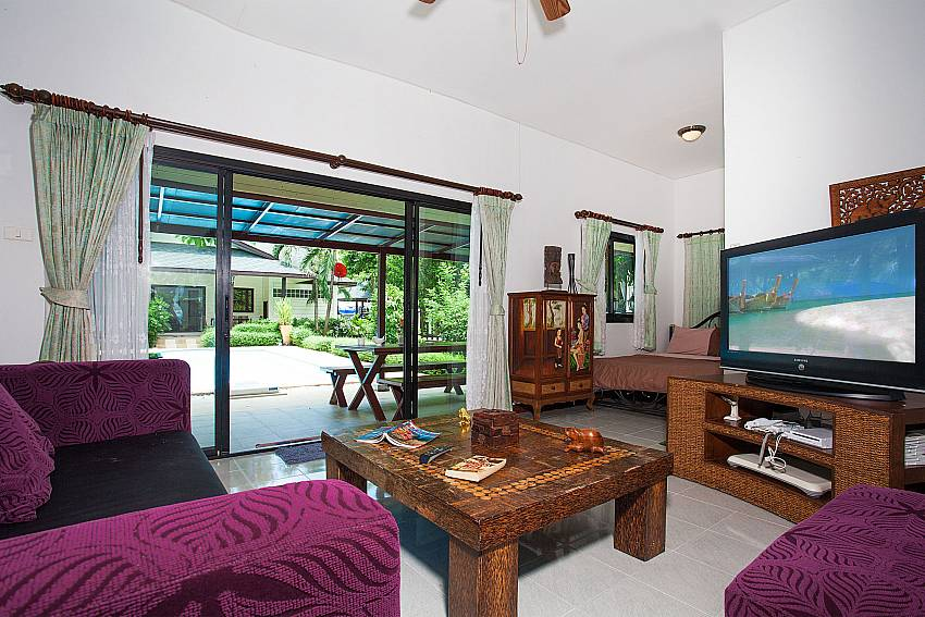 3. bedroom with living area at Villa Damini in Southeast Samui