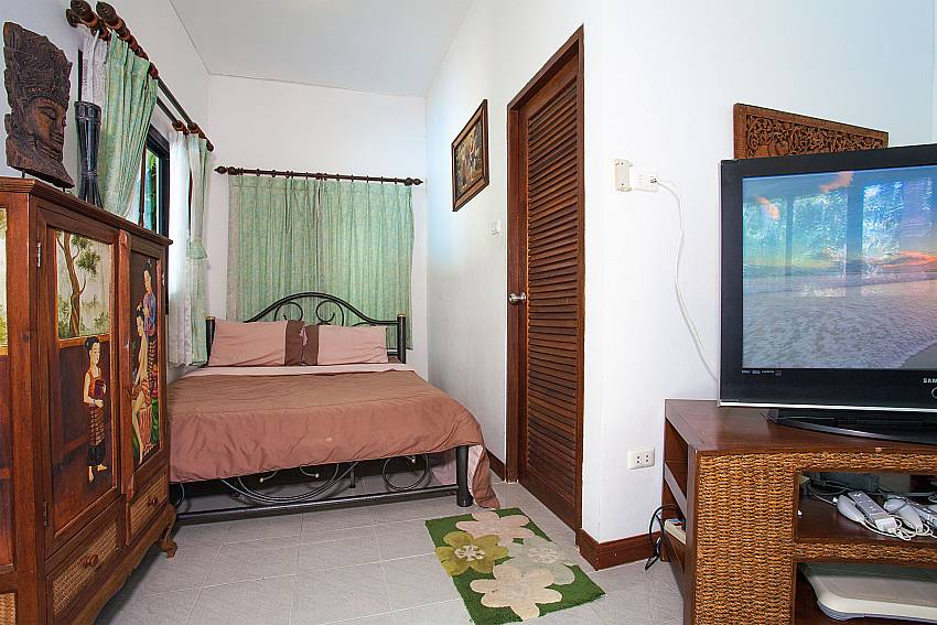 3. bedroom with living area at Villa Damini in Koh Samui
