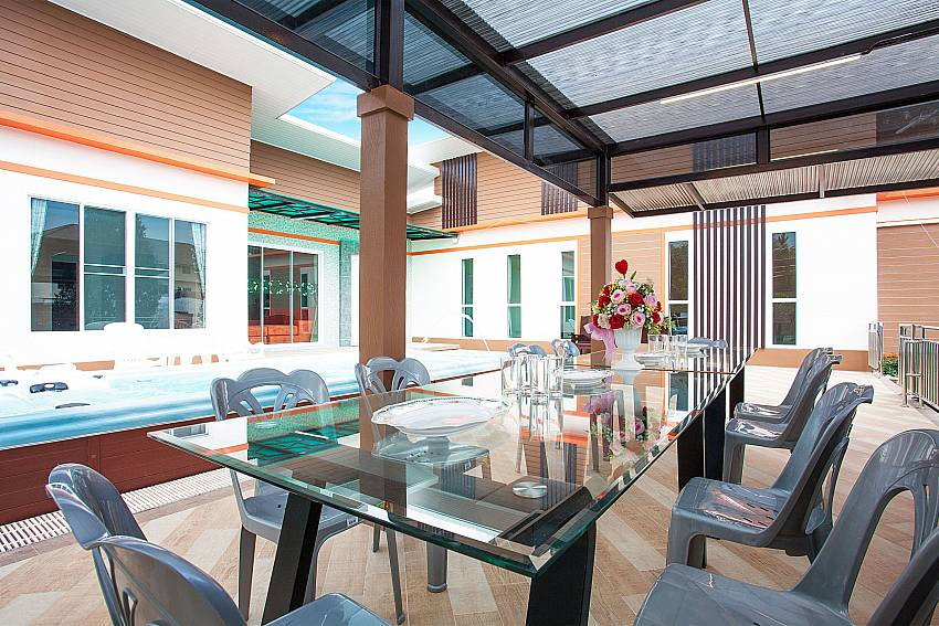 Seating area Melodious Villa in East Pattaya