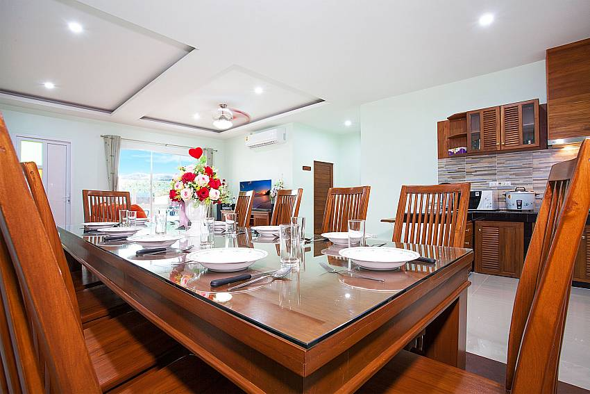 Dinning area Melodious Villa in East Pattaya