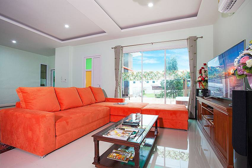 Living room Melodious Villa in East Pattaya