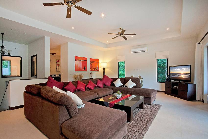 Upstairs Living Room-pagarang-villa_6-bedroom_luxury-pool-villa_nai-harn_phuket_thailand