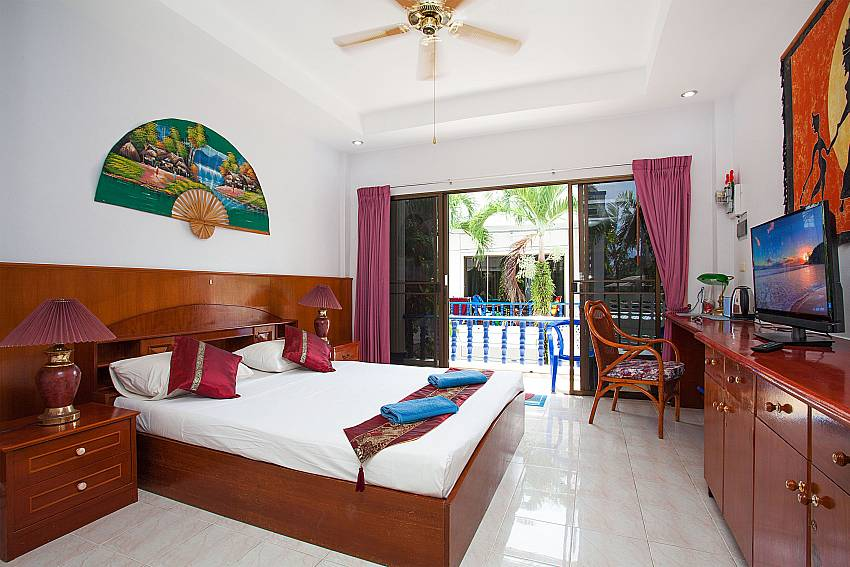 Apartment Khuno 203 with one kingsize bed and TV Phuket